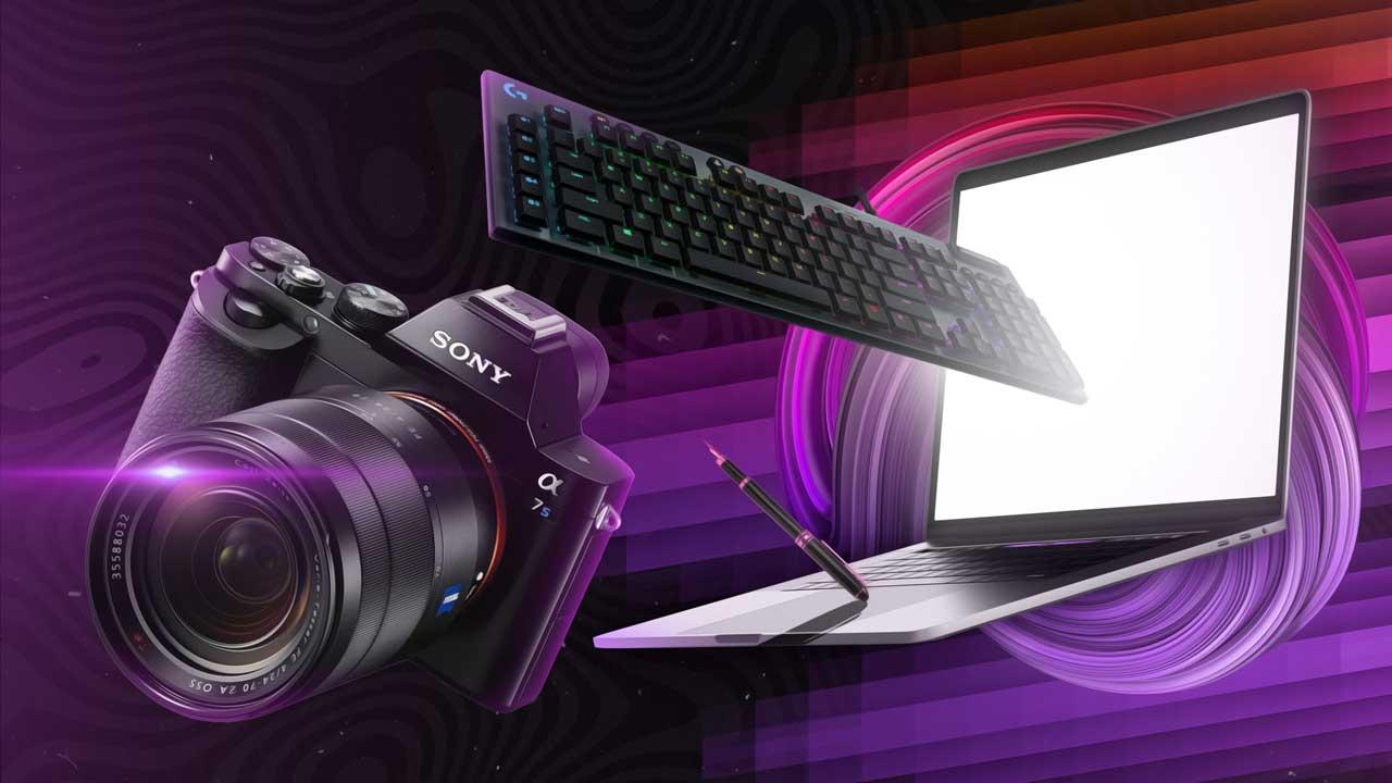 Kamera, Tastatur und Stift fliegen in ein Notebook-Display