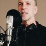 markus tirok am mikrofon